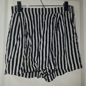 Striped High Waisted Shorts by H&M